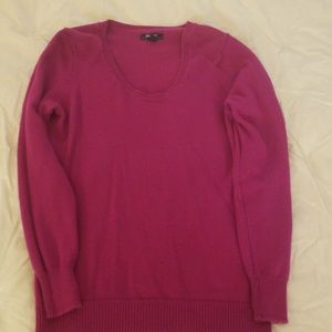 Old Navy Sweaters - Gently worn sweater